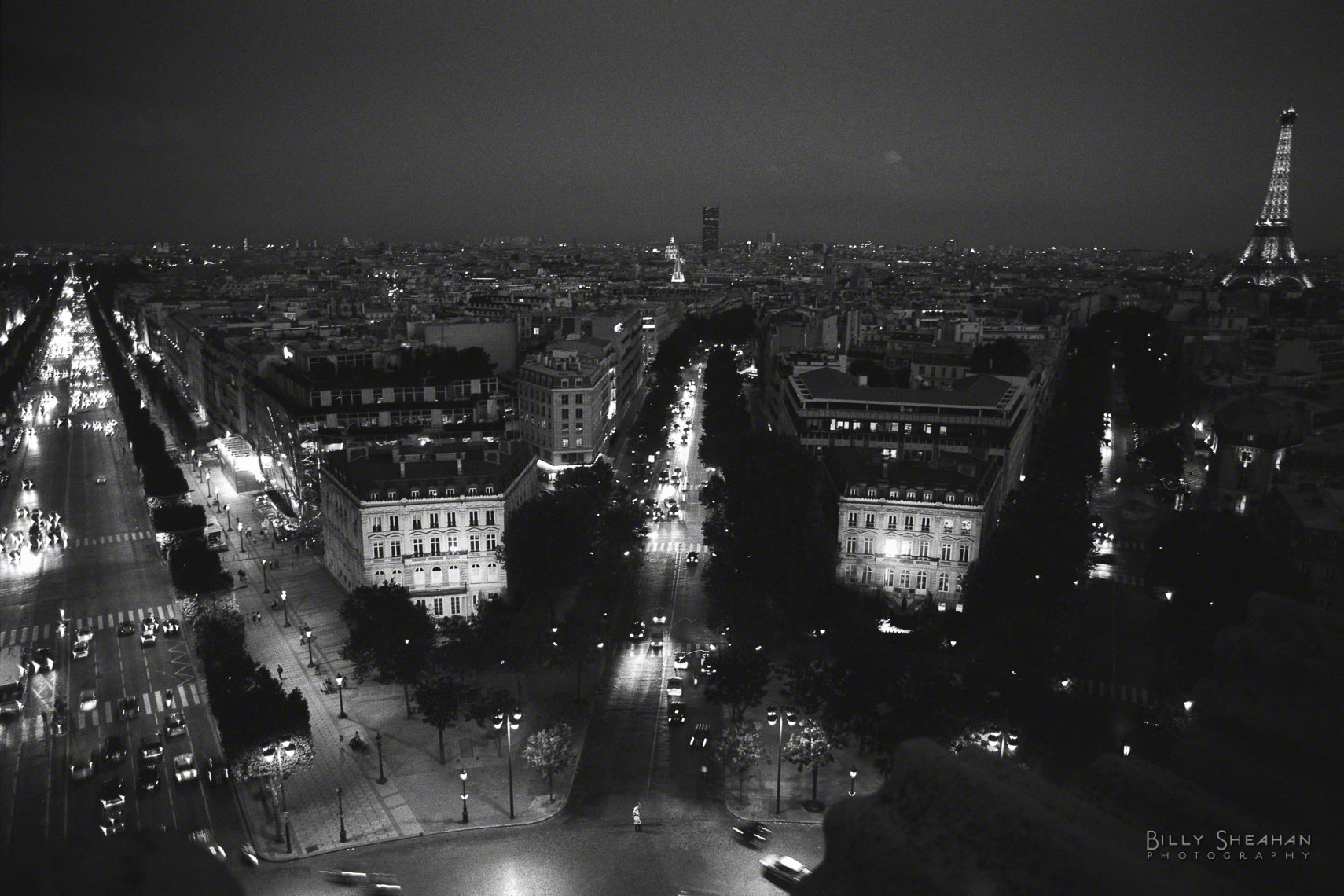 Avenue_des_Champs-Elysees_Tour_Eiffel_Night_Paris-1358_19_D.jpg