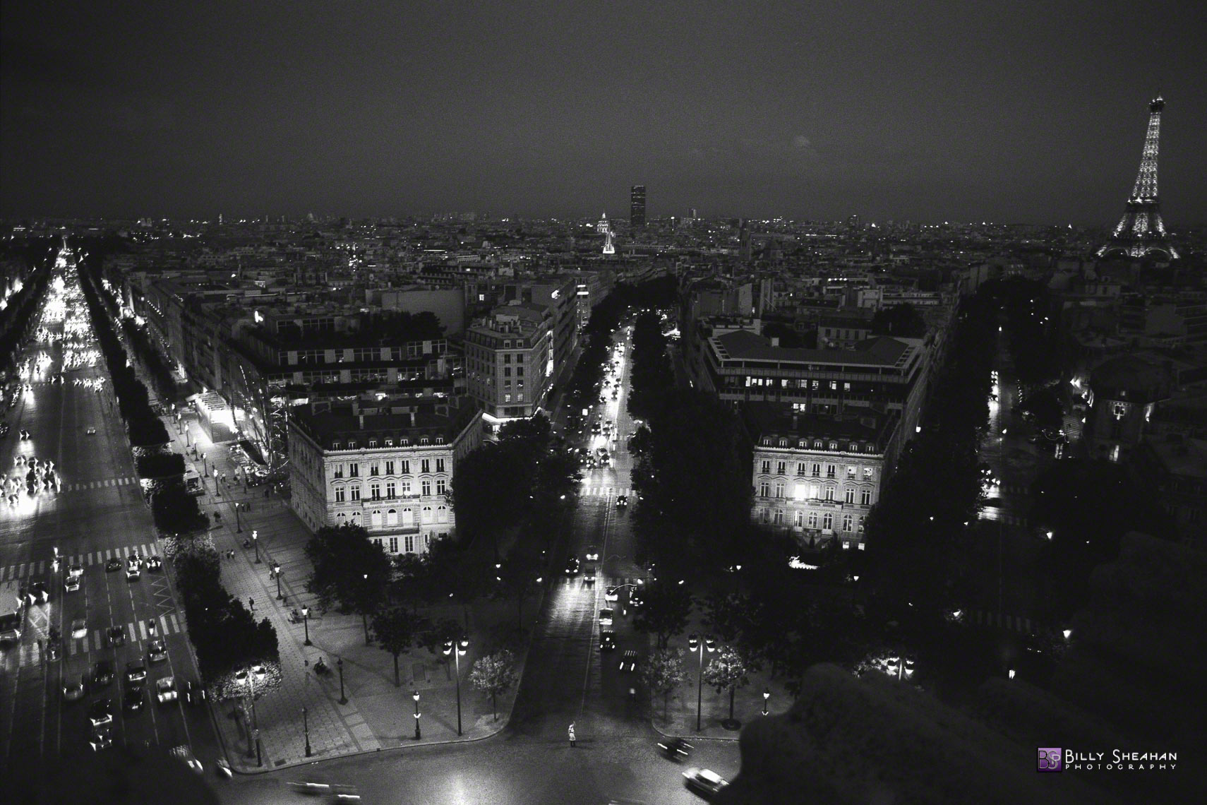 Avenue_des_Champs-Elysees_et_Tour_Eiffel_from_top_of_Arc_de_Triomphe__Paris__France_Paris-1358_19_D