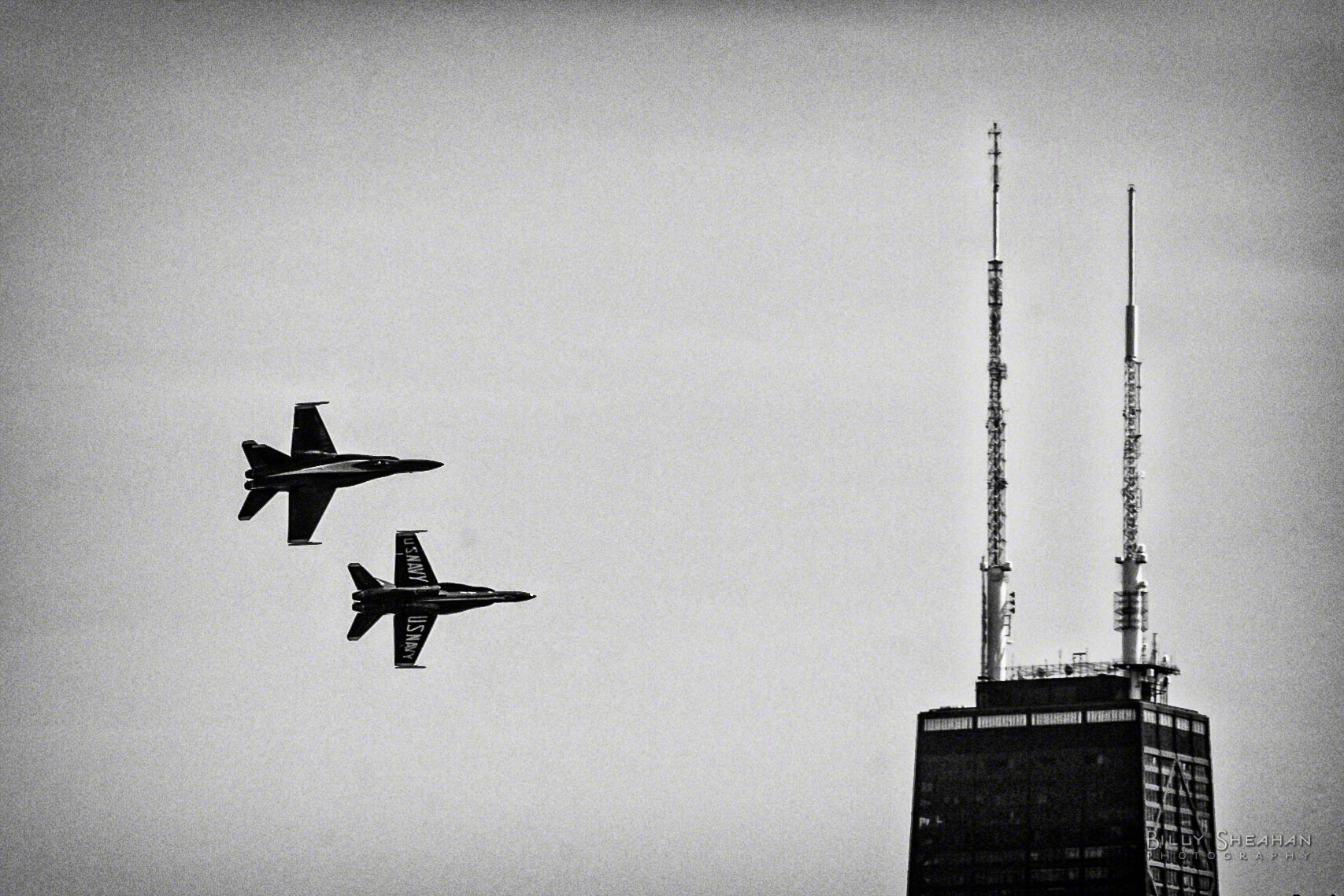 Blue_Angels_Hancock_Building_Chicago_AirShow_18Aug2012_0157_BW_D.jpg