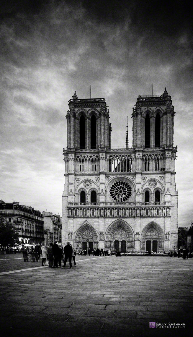 Cathedrale_Notre_Dame_de_Paris__France_Paris2008_20Apr2008_0007_8_9_BW_D