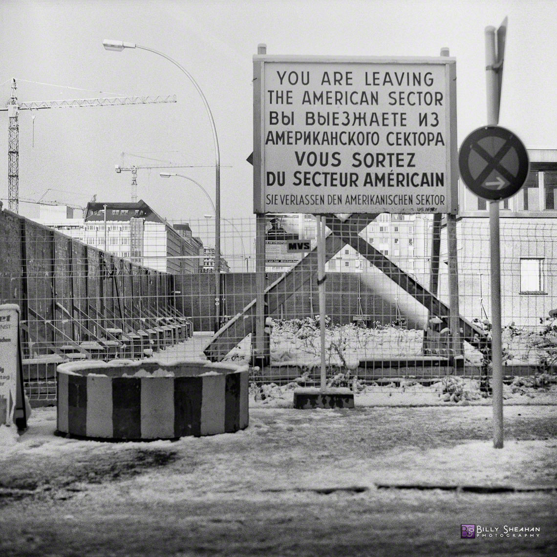 Checkpoint_Charlie__Berlin__Germany_Germany-360_11_BW_D