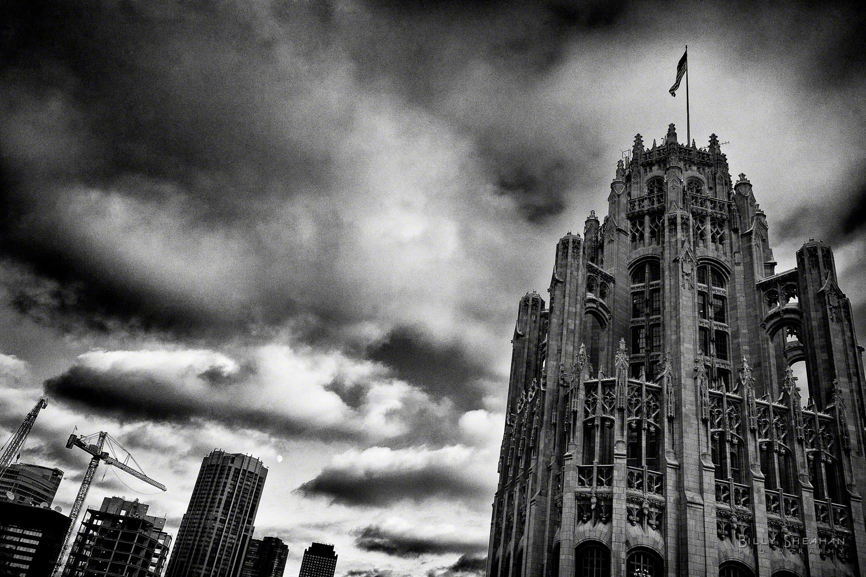 Clouds_Above_Tribune_Tower_Chicago_01Dec2006_010_BW_D.jpg