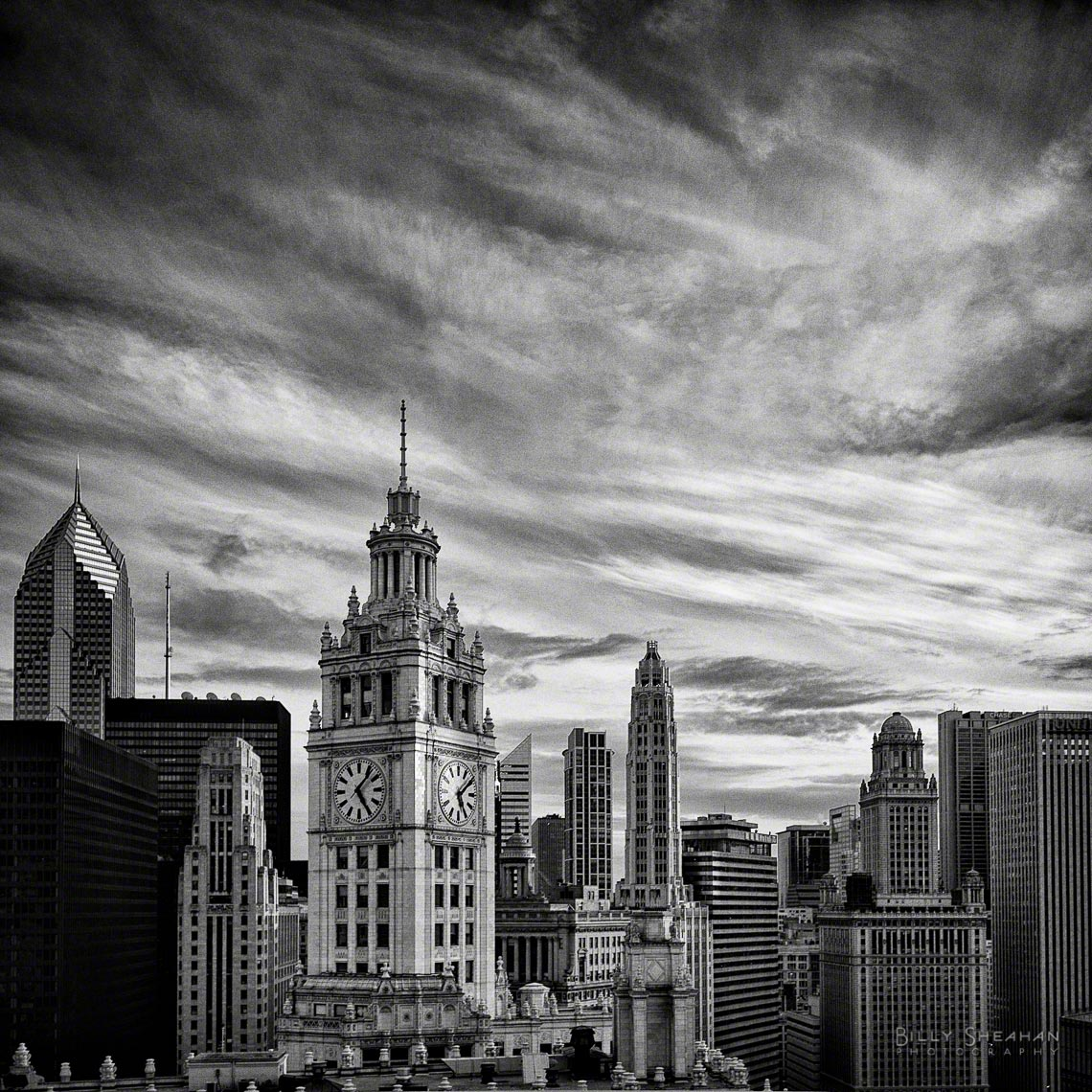 Clouds_Over_Wrigley_Building_Chicago_05Mar2008_0024_BW_D.jpg