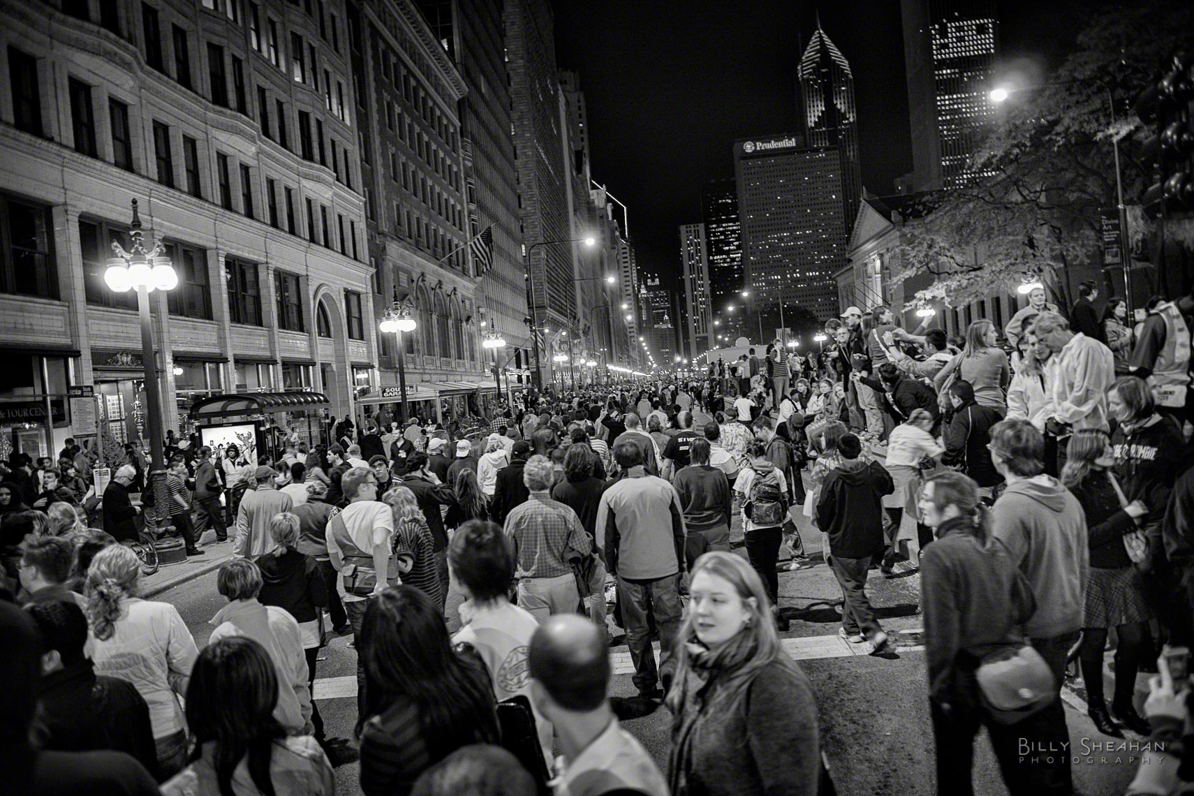 Election_Night_Crowds_Michigan_Ave_BarackObamaGrantPark_04Nov2008_0115_BW_D.jpg