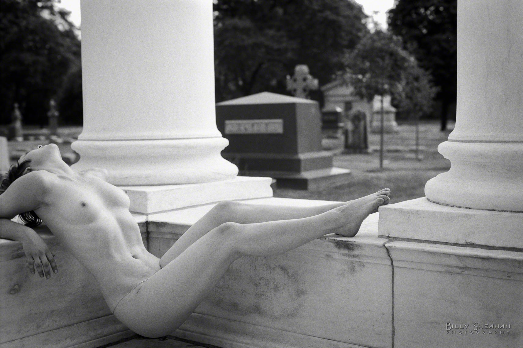 Melissa_at_Graceland_Cemetery_MelissaGraceland_10Sep2000_939_0026_BW_D.jpg