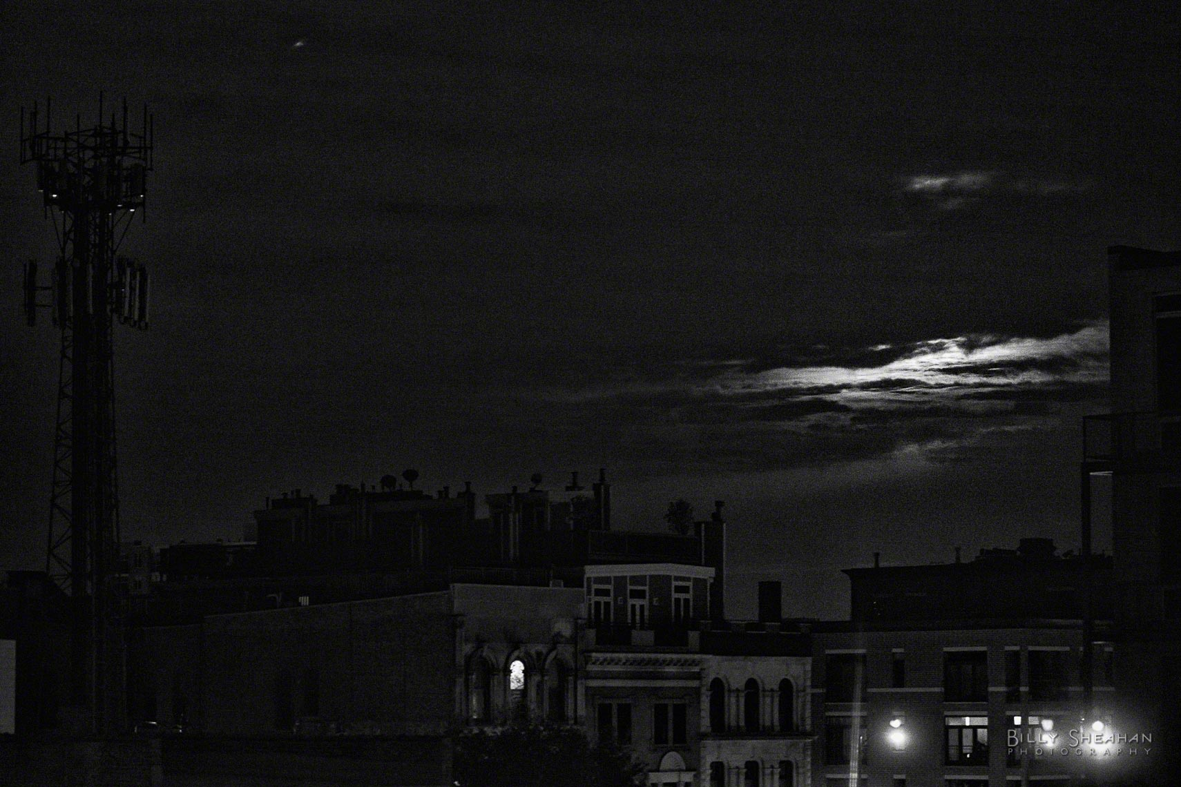 Moonlight_Clouds_West_Loop_Chicago_17May2011_0005_BW_D.jpg