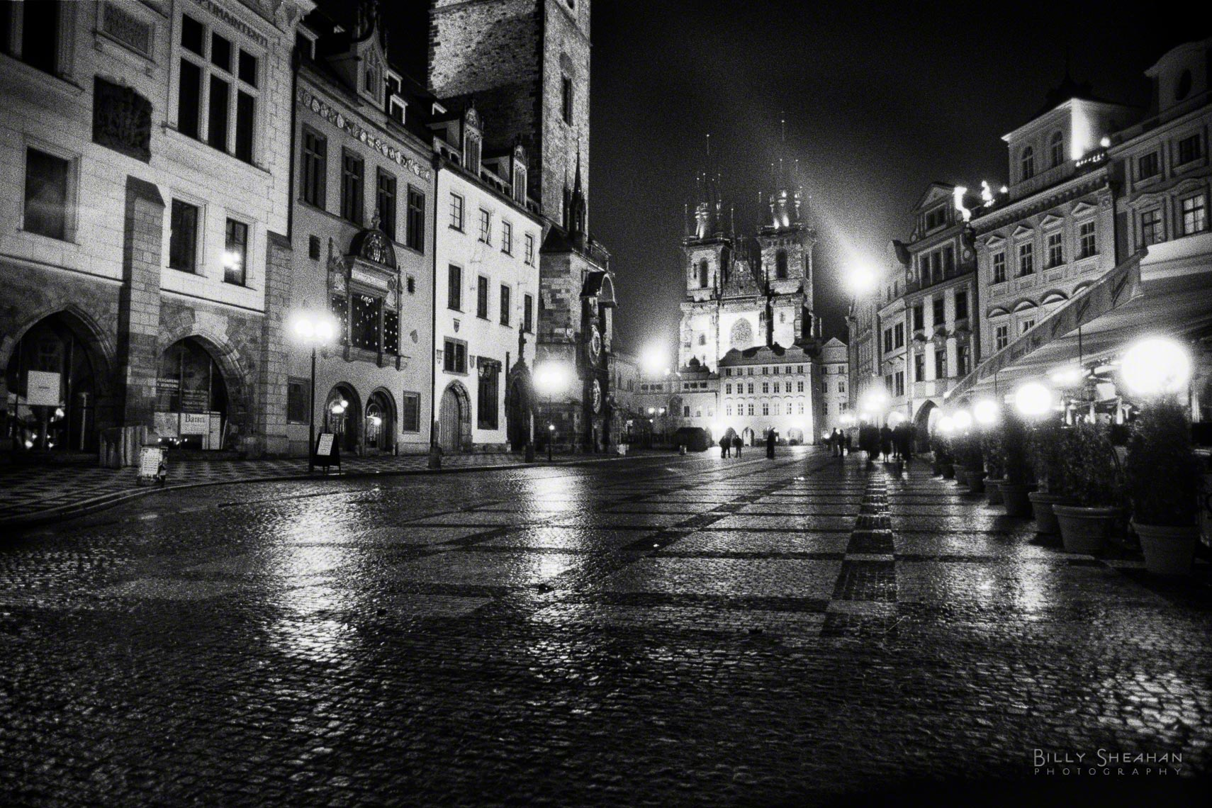 Old_Town_Square_Prague-646_25_BW_D.jpg