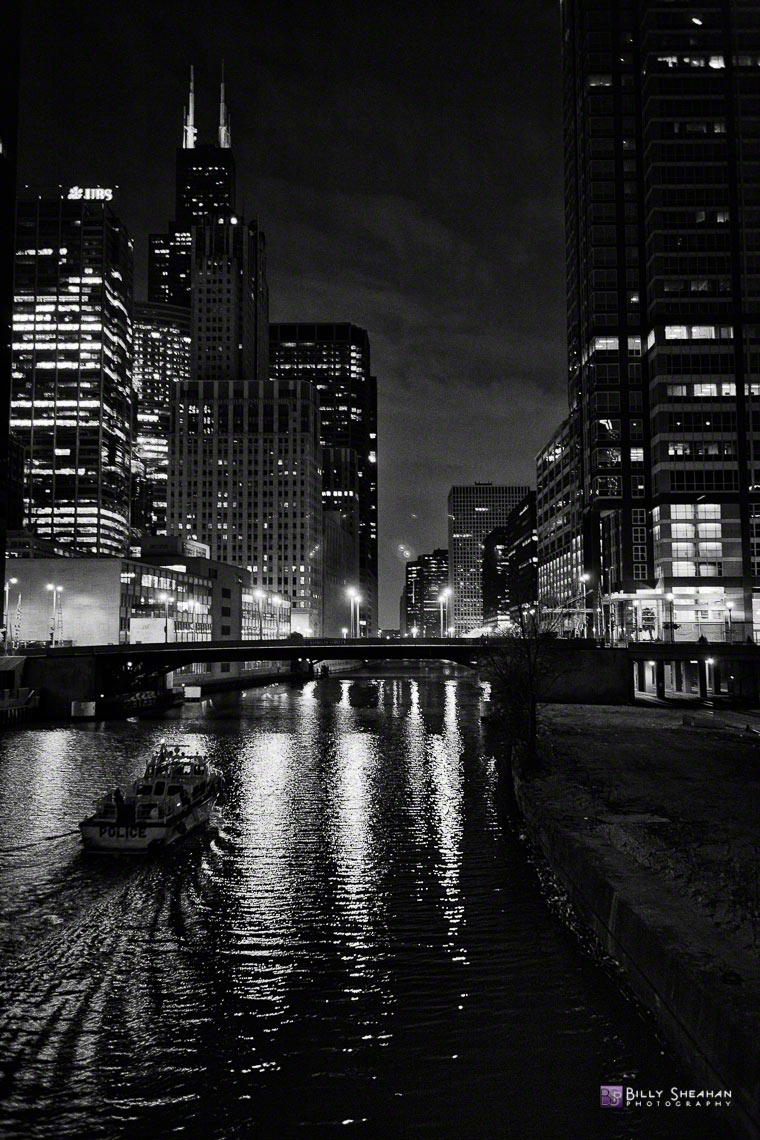 Police_Boat_on_South_Branch_of_the_Chicago_River_Chicago_26Nov2006_166_BW_D