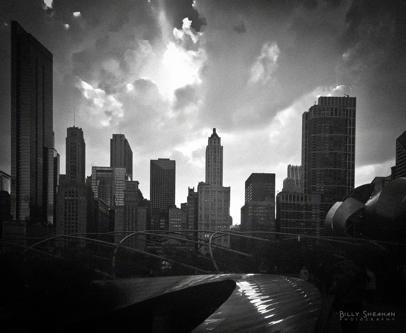 Sunset_Over_Millennium_Park_Chicago_11Sep2010_0124_BW_D.jpg